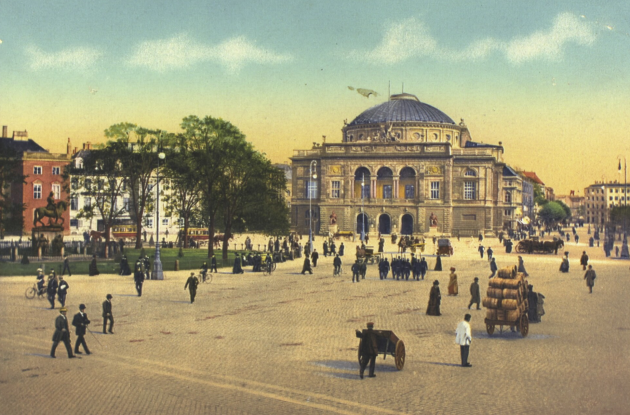 Older postcards with motifs from The Royal Theater