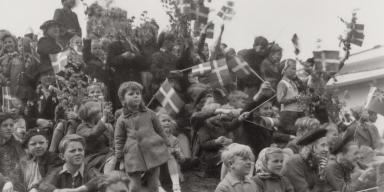 Børn og unge fejrer danmarks befrielse 1945