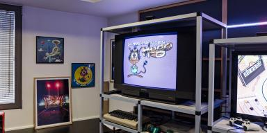 CRT TV with the computer game Hugo on