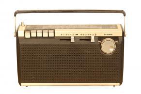Antikt radioapparat