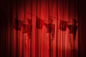 BIograftæppe med silhuet af trompetister