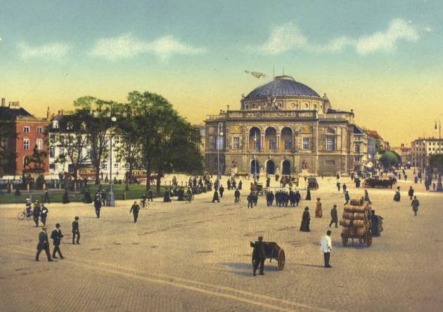 Ældre postkort med motiv af Det Kongelige Teater