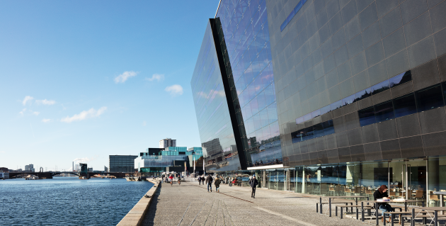 The Black Diamond, day view at the quayside