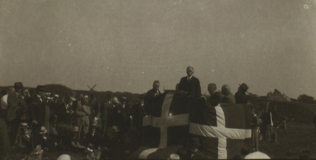 H. P. Hanssen taler ved genforeningsmøde 1920