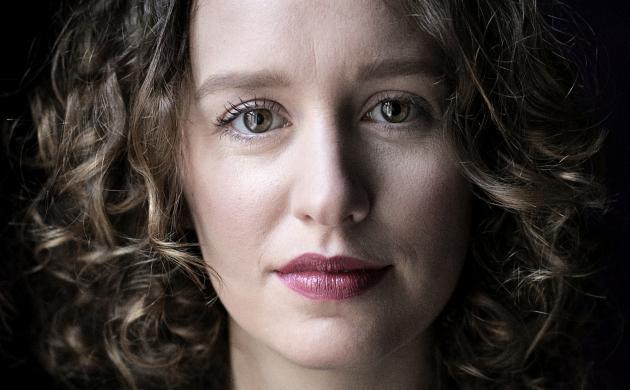 Portræt af forfatteren Olga Ravn