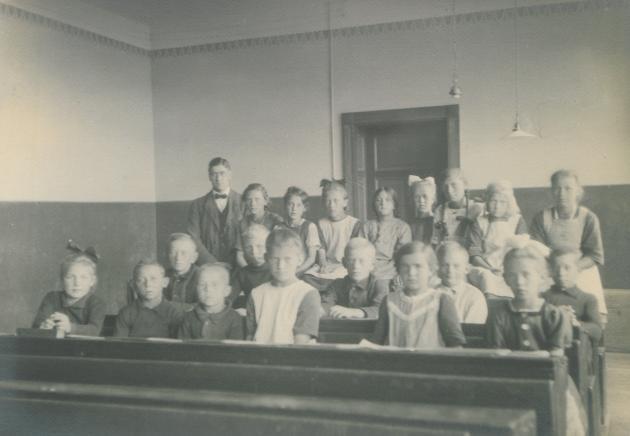 Et klasselokale på Højer Skole i 1910