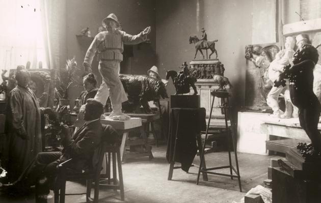 Carl Nielsen besøger Anne Marie (Carl) Nielsen i atelieret