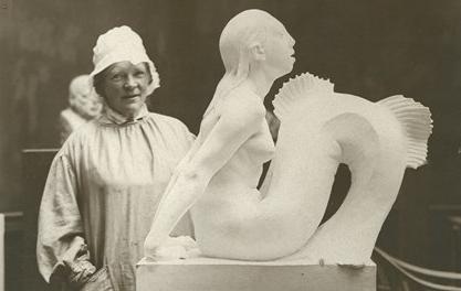 Anne Marie Nielsen ved den lille havfrue